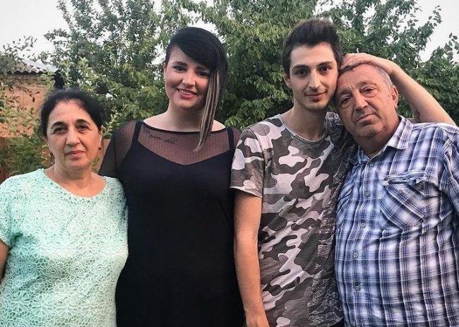 Саша Черно села на диету и заставила худеть всю семью