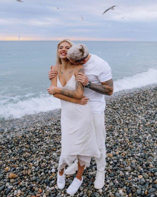 Красивая фотоссесия Федора Стрелкова и Аниты Кобелевой