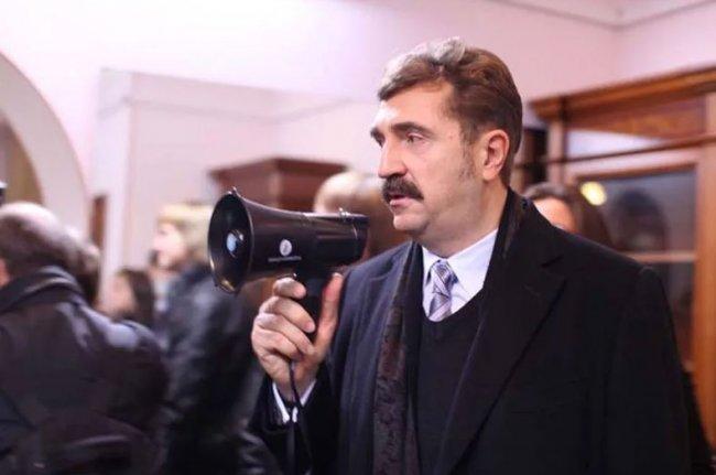 Правильно Валерий Комиссаров делает, дождался когда «Дом 2» обанкротится, а теперь выкупает