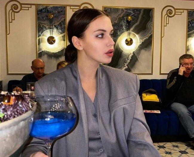 Александра Артемова покидает Сочи и возвращается в Москву