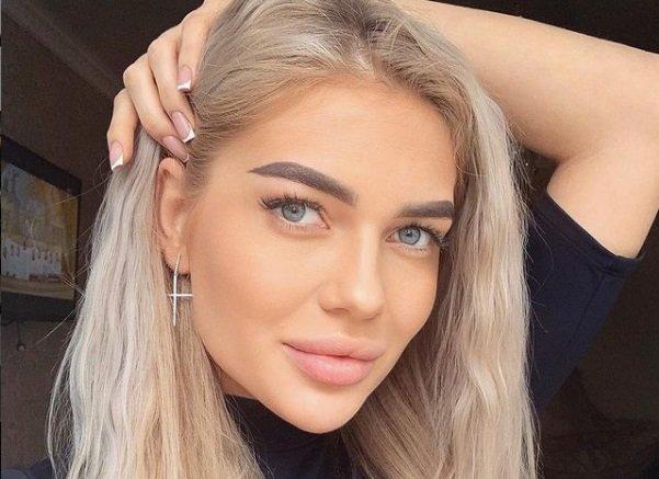 Марина Страхова продолжает воевать в сети с Катей Скалон