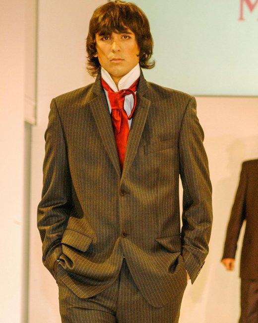 22-летний Андрей Шабарин позирует в качестве модели