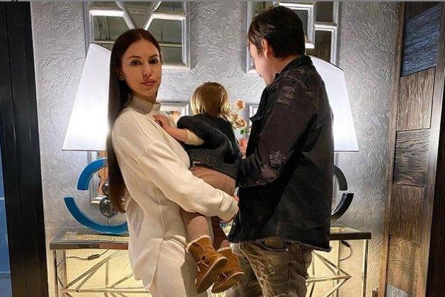 Саша Артемова подыскивает турка для замужества