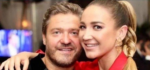 Смеющуюся Ольгу Бузову заметили в компании незнакомого мужчины