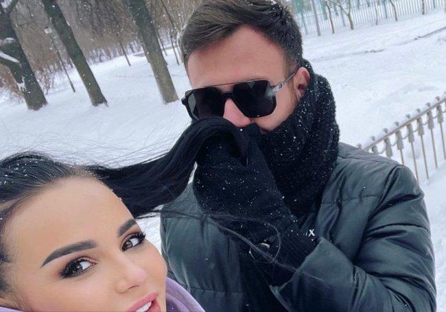 После примирения с Аней Левченко Валера Блюменкранц попал в аварию