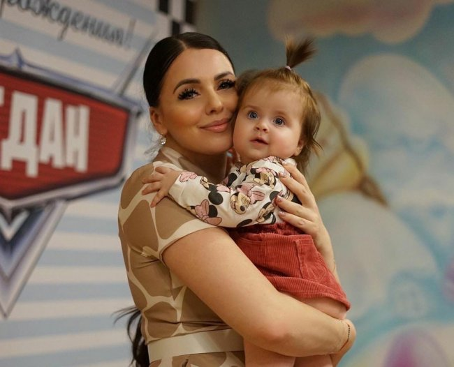 Ольга Рапунцель призналась, что из-за стресса у нее пропало молоко