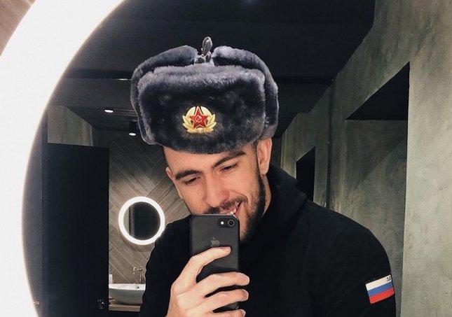 Игорь Григорьев наконец-то познакомил Юлю Жукову с друзьями