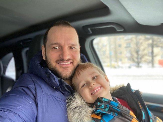 Алексей Самсонов поздравил своего сына Мирона с днем рождения
