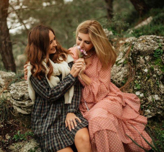 Ирина Агибалова трогательно поздравила своих дочерей с 8 Марта