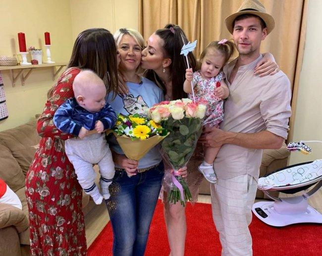 Не смогла Татьяна Владимировна достойно воспитать своих дочерей
