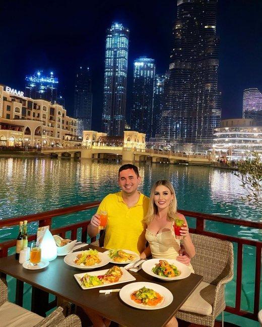 Супруги Андрей Шабарин и Роза Райсон на отдыхе в Дубае