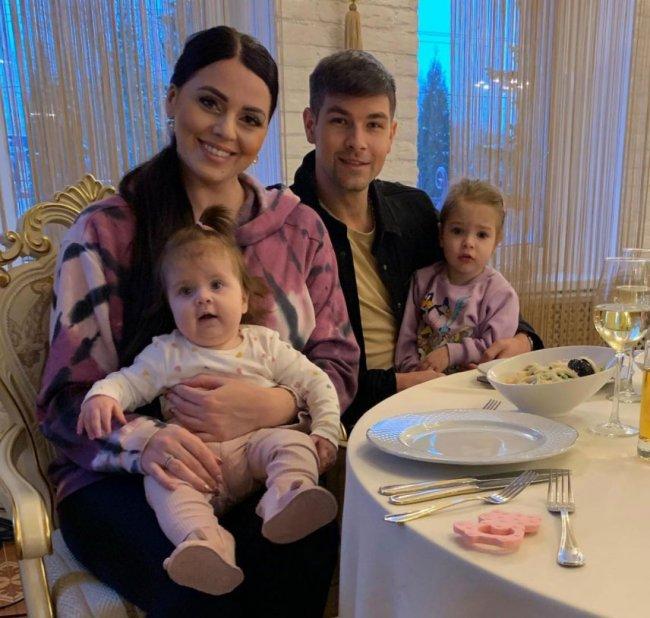 В семье Дмитренко родители любят своих девочек, и на мой взгляд у них все получилось