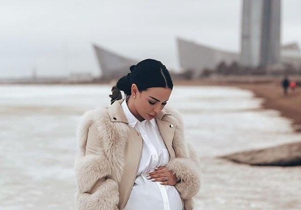 Анна Левченко определилась с датой родов