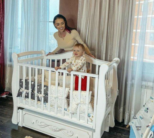 Алена Савкина против того, чтобы дети спали с мамой или папой