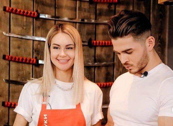 Рома Капаклы становится популярным кулинаром