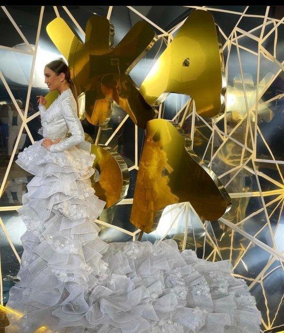 Фотоссесия Ольги Бузовой в шикарном наряде