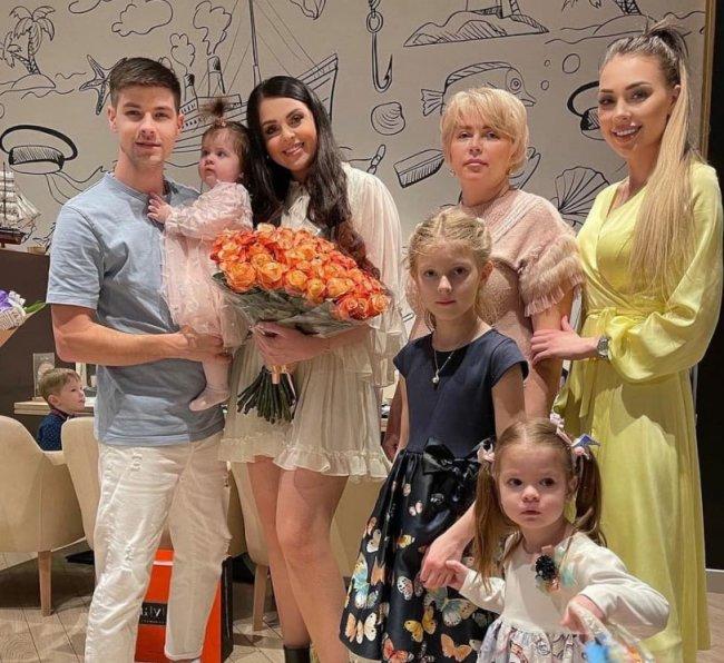 Ольге Рапунцель обидно, что ее мама очень редко видится с внучками