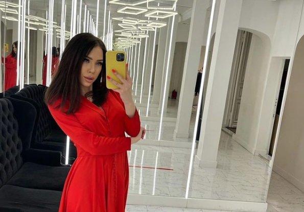 Алена Савкина перебралась от Ильи Семина в женскую спальню