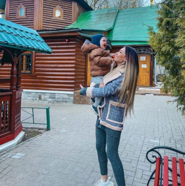 Кто виноват в том, что Алена Савкина осталась матерью одиночкой?