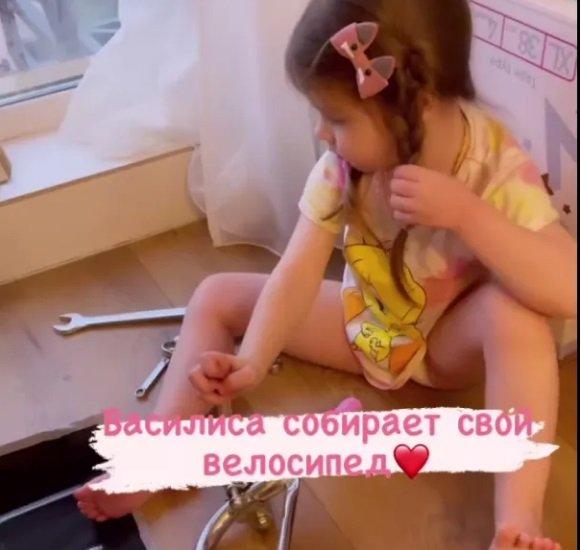 Василиса Дмитренко оказалась очень смышленой девочкой