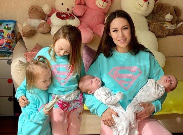 Алена Ашмарина помогла маме-одиночке в бедственном положении