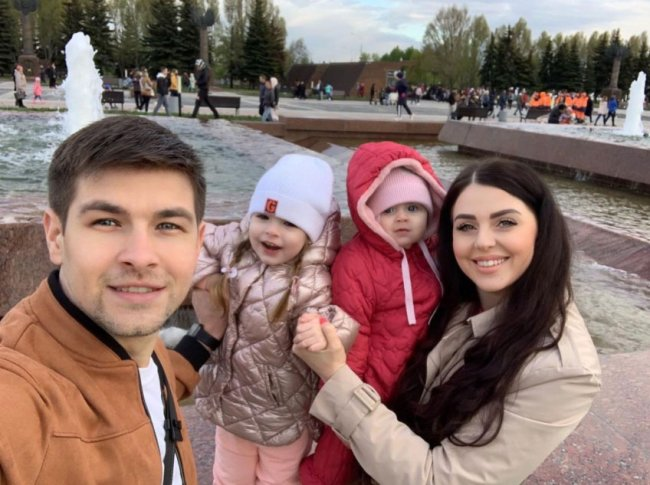В семье Дмитренко растут здоровые дети, родители всегда с ними, ни на каких родственников их не сбагривают