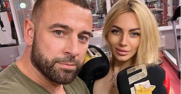 Саймон Марданшин пытается увести Анну Брянскую у Алексея Адеева