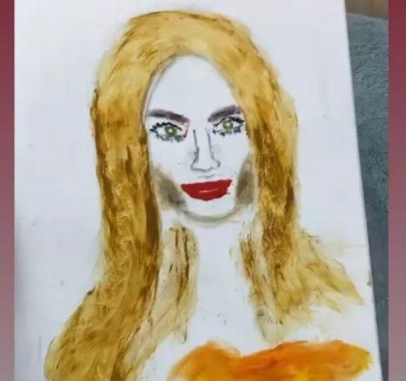 Алексей Адеев нарисовал Аню Брянскую без кистей и карандашей