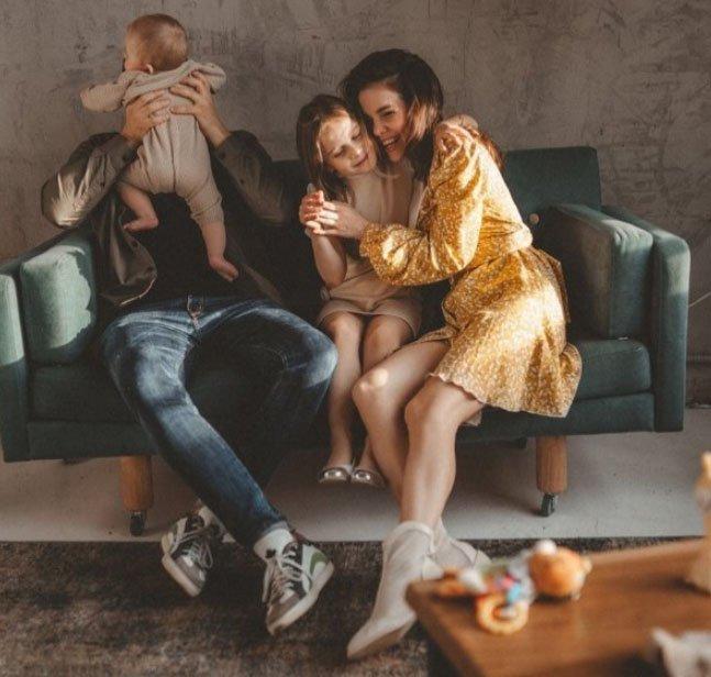 Саша Гозиас рассказала, как она воспитывает своих детей