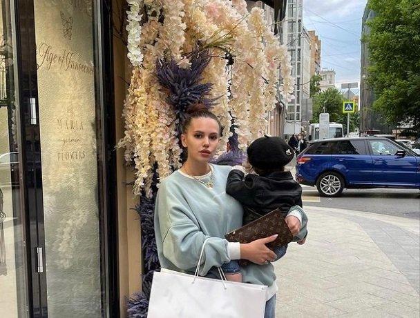 Саша Артемова боится отдавать дочь в детский сад