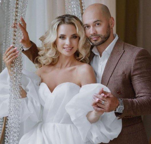 Кристина Черкасова поздравила мужа с годовщиной их отношений