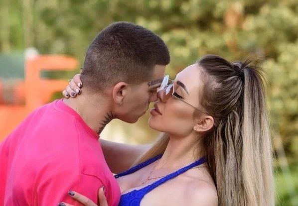 Алена Савкина и Илья Семин подали заявление в ЗАГС