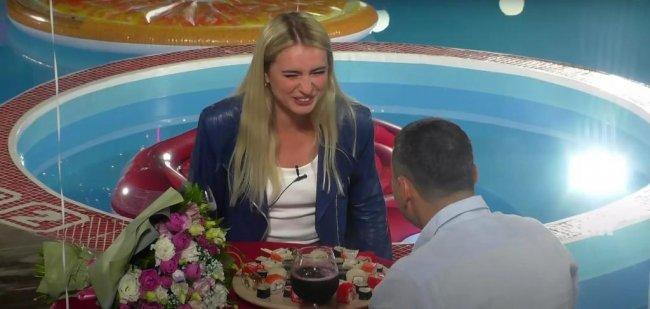 Гобозов сказал Давидовой, что она недоразвитая блондинка