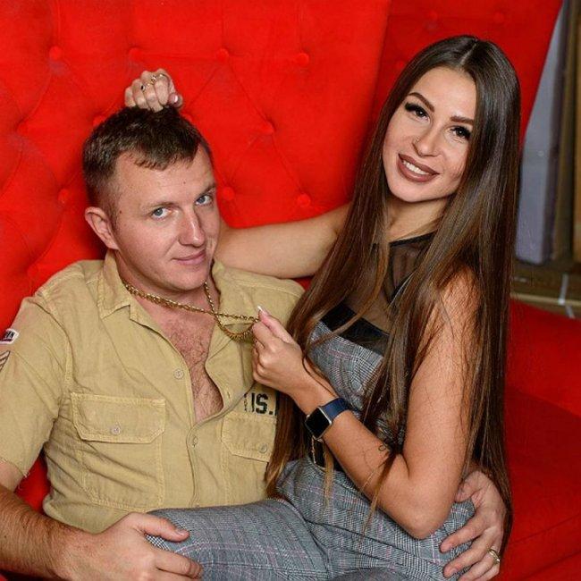 Илья Яббаров и Анастасия Голд празднуют ситцевую свадьбу